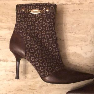 Guess brown ankle boots size 9
